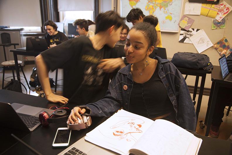 Students in Visual Communications Class 0218 Bradshaw WEB.jpg