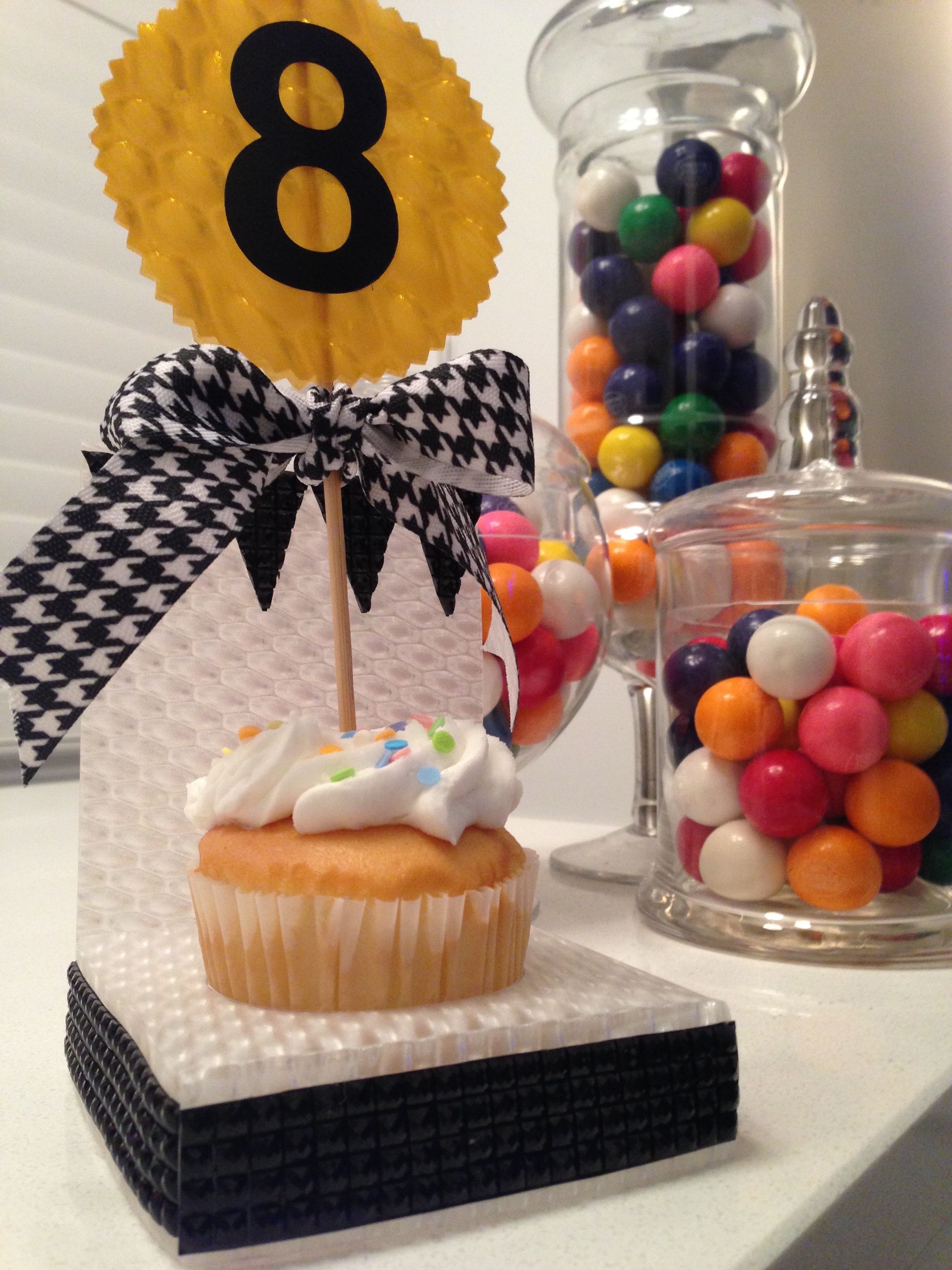 cupcake throne diy.jpg