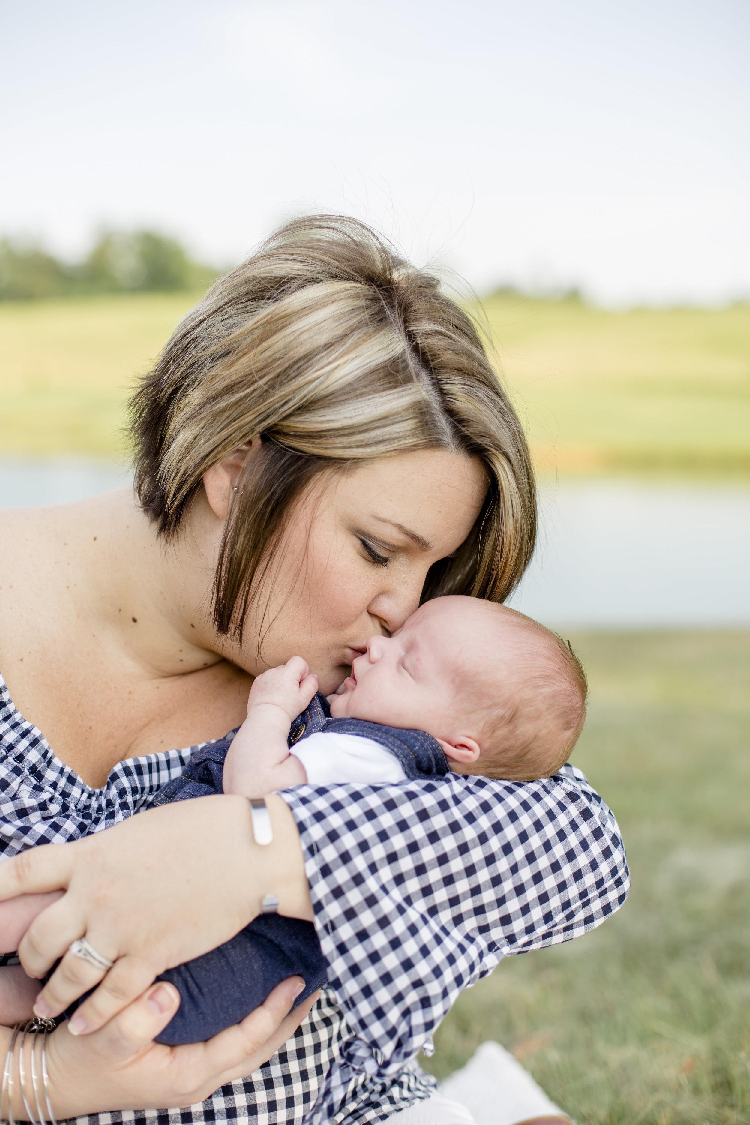 Cole newborn pictures-0045.jpg