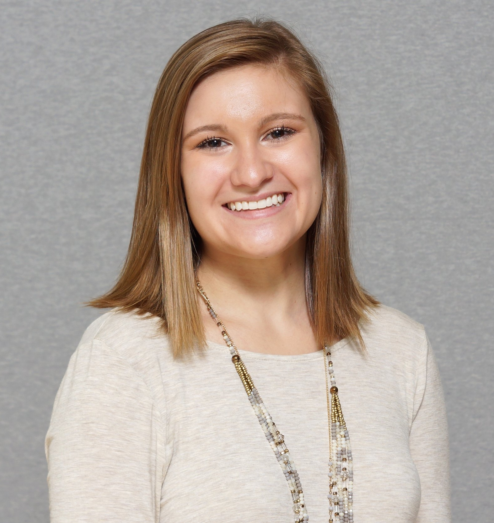 Hunter Stinnett - Intern CoordinatorCurrently, Hunter attends Longwood University. Go Lancers! She started interning with Tharpe Social Media & Events this fall. Hunter has a strong desire to learn and gain experience in the wedding industry. We're so happy to have her on the team!