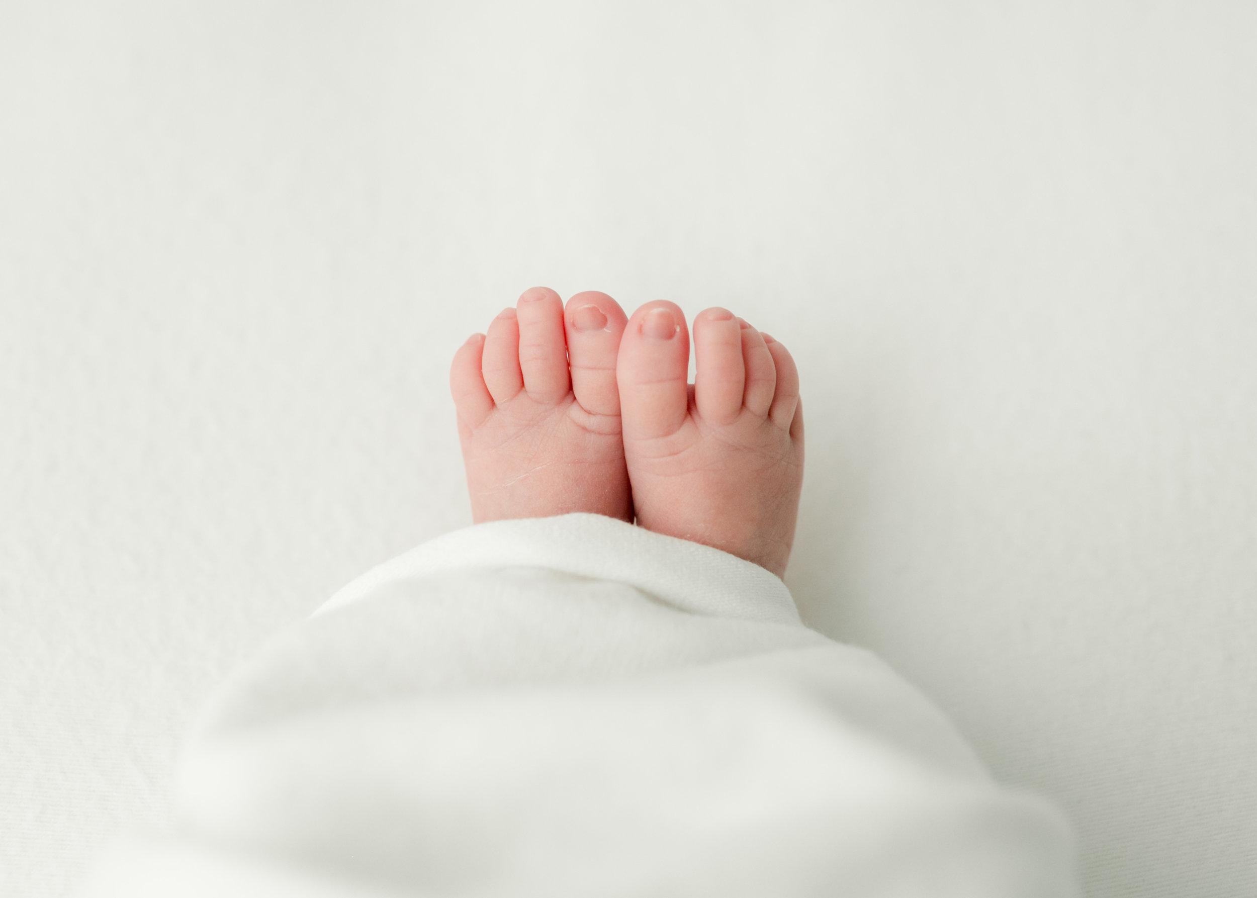 Tharpe-Newborn-042.jpg