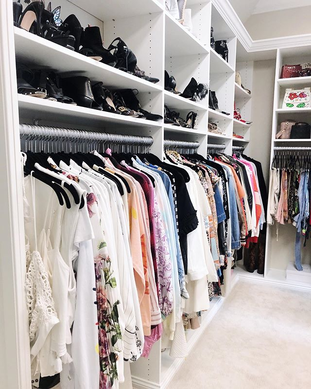 There is no better way to start your morning than in a well-organized closet full of items that make you feel GREAT. ⠀⠀⠀⠀⠀⠀⠀⠀⠀ We challenge you to pull some of the items in your closet that don't make you feel your best and donate them this week. Tag us when you do & let us know where you're donating!