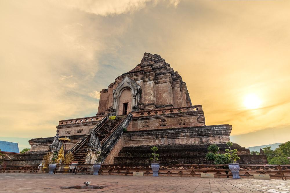 Wat Chedi Luang-4.jpg