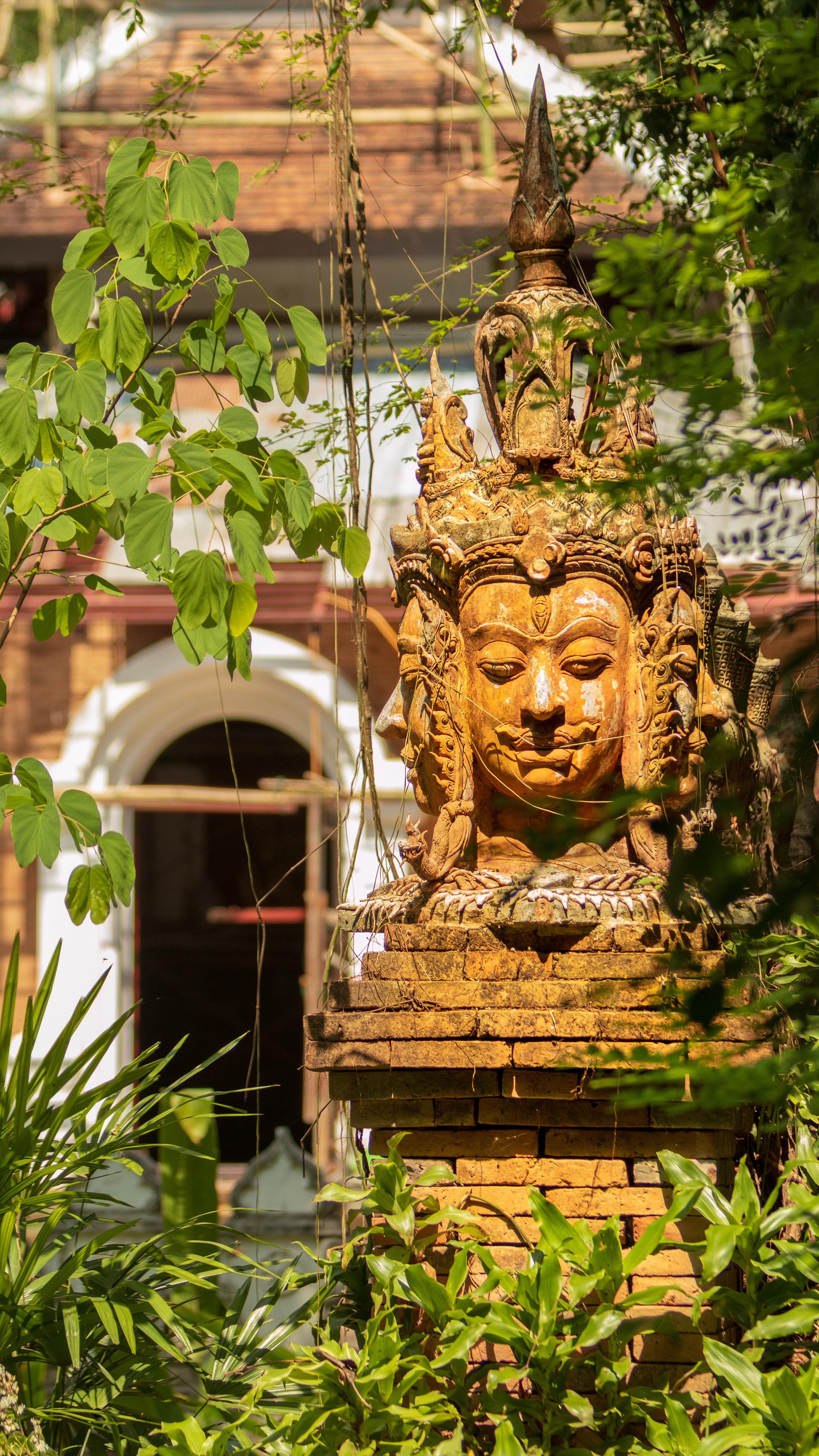 Wat Pha Lat-11.jpg