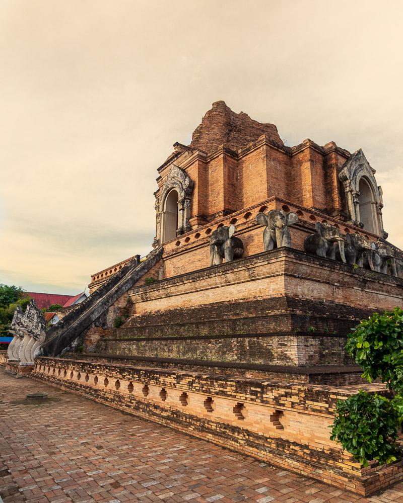 Wat Chedi Luang-3.jpg