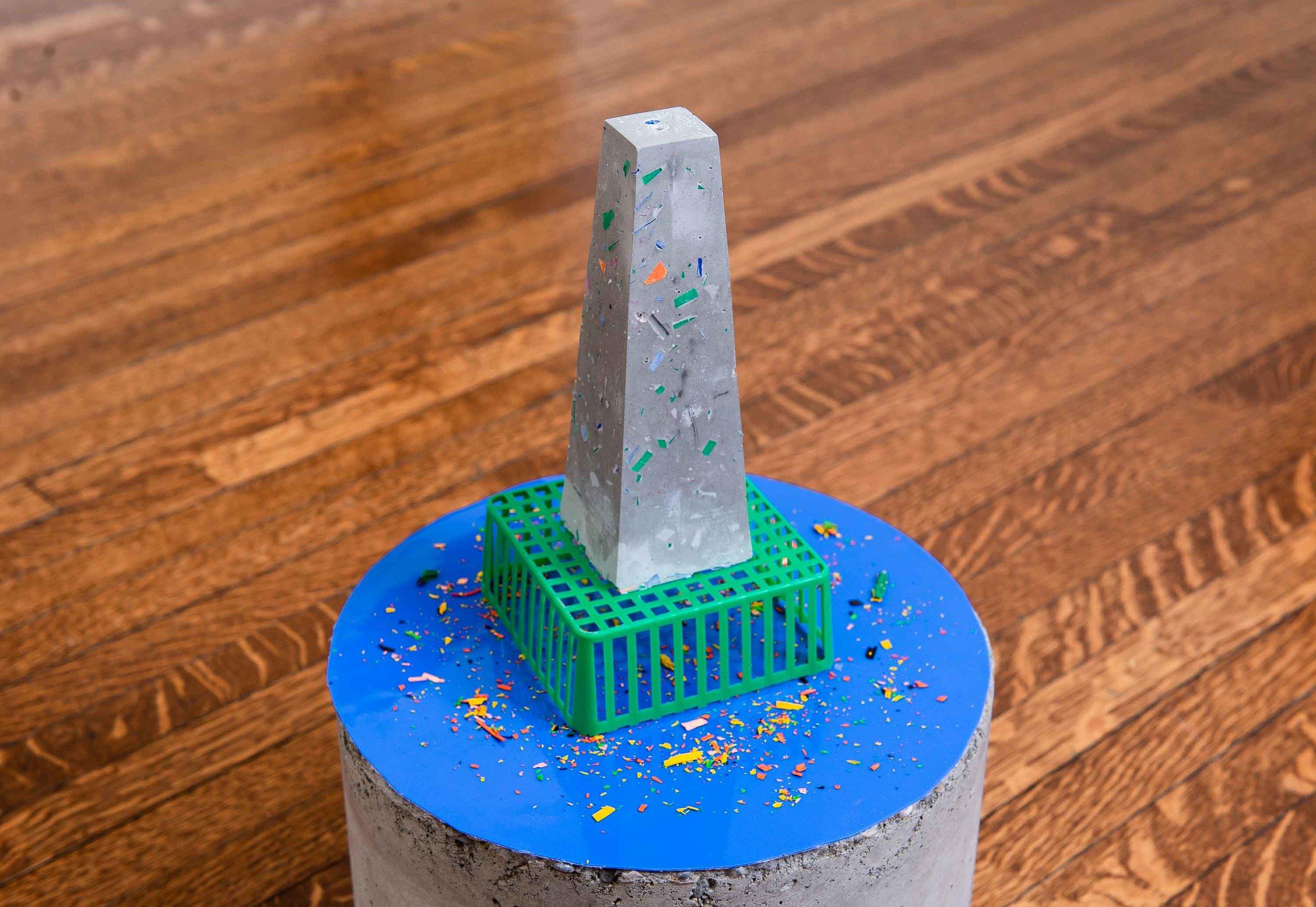 PLASTIC-TOC salt-shaker 2