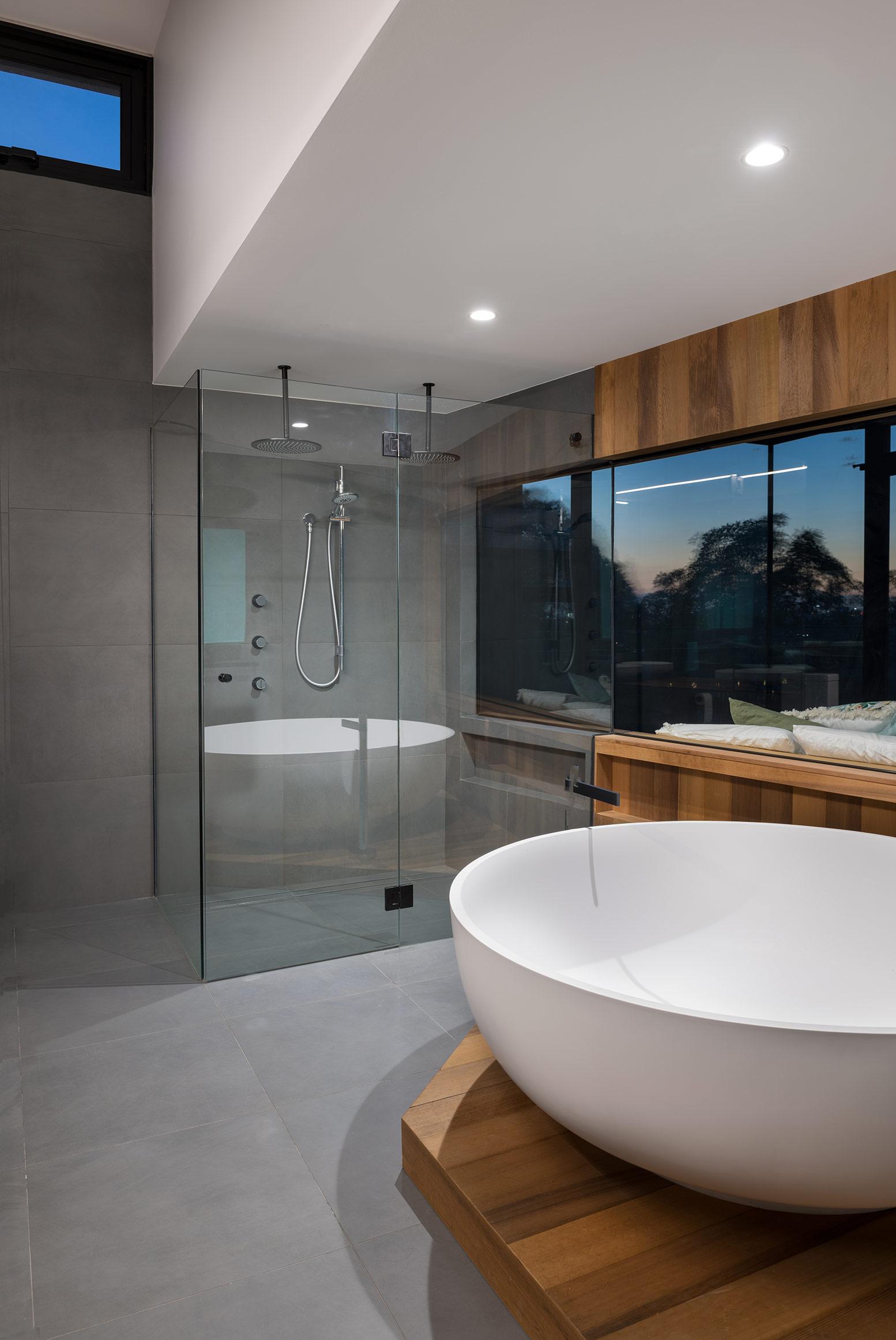 GOM_bathroom tub shower.jpg