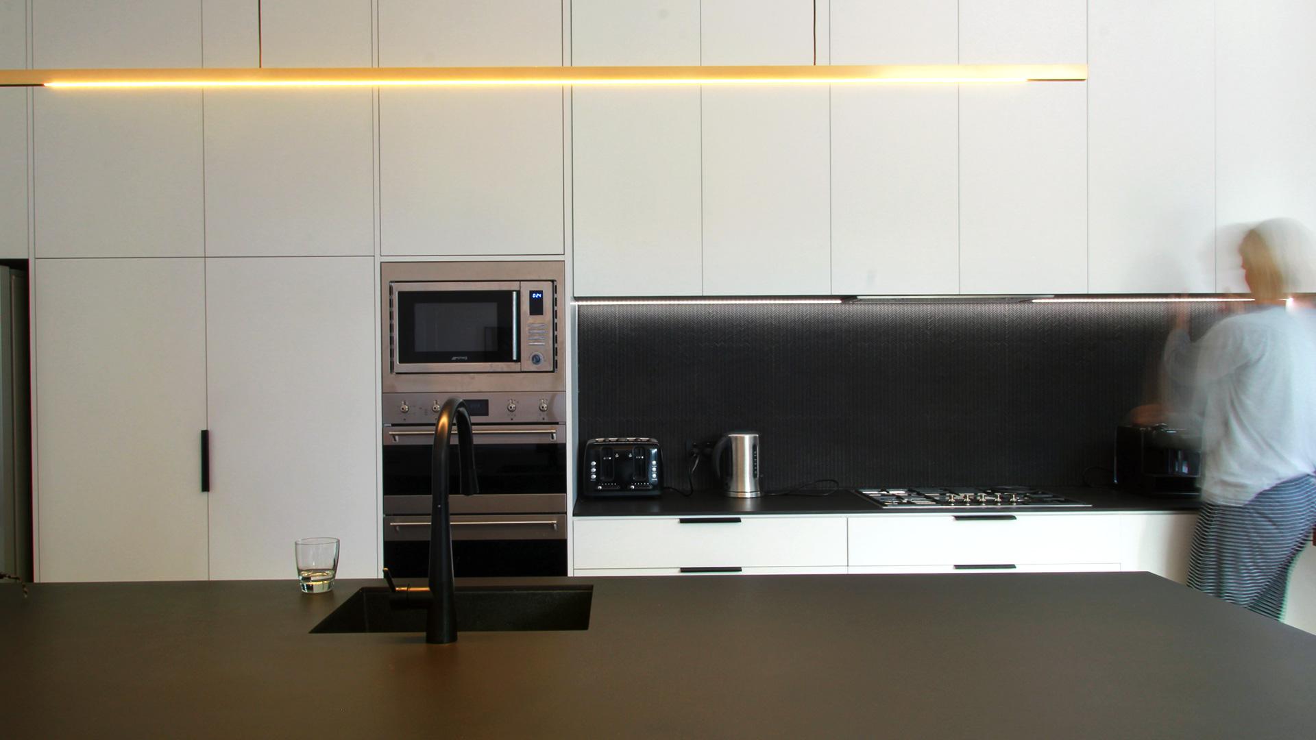 FERN_AVE-kitchen.jpg