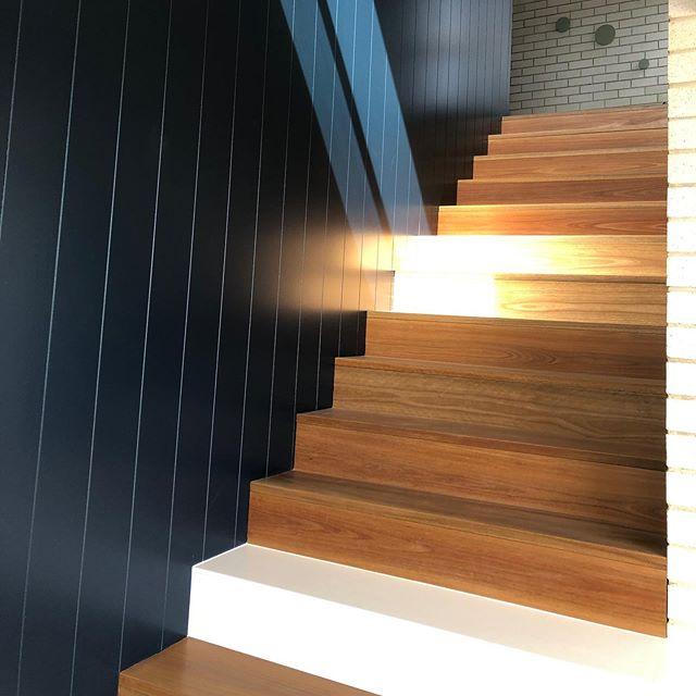 RANGE RD // STUDIO AKA // staircase ... #adelaidearchitect #builtdesign #architecturaldesign #southaustralia #archinspiration #design #australiandesign #localdesign #stairs @pghbricks @smithbuilders06 @aligeers @joshuageers