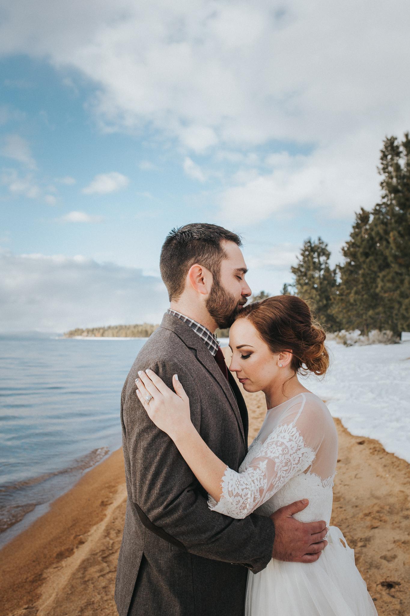 winter-wedding-reno-lake-tahoe-wedding-photographer-10.jpg