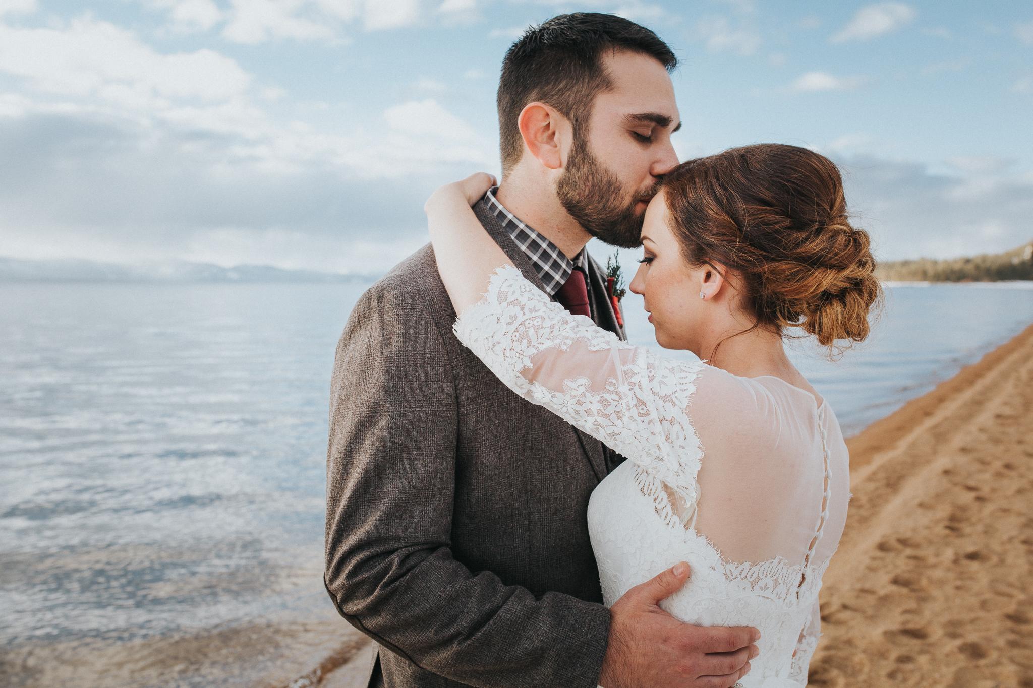 winter-wedding-reno-lake-tahoe-wedding-photographer-12.jpg