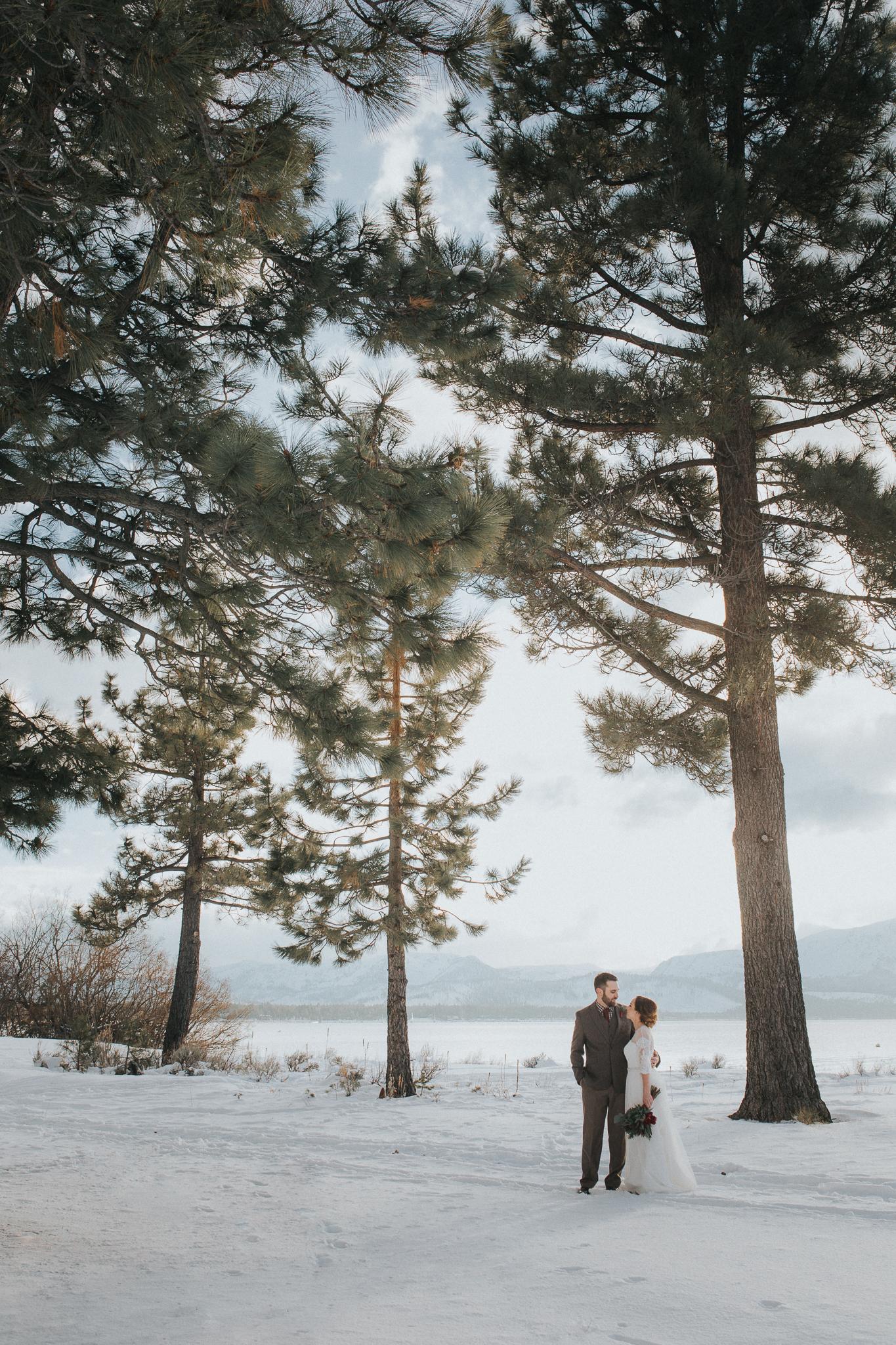winter-wedding-reno-lake-tahoe-wedding-photographer-14.jpg