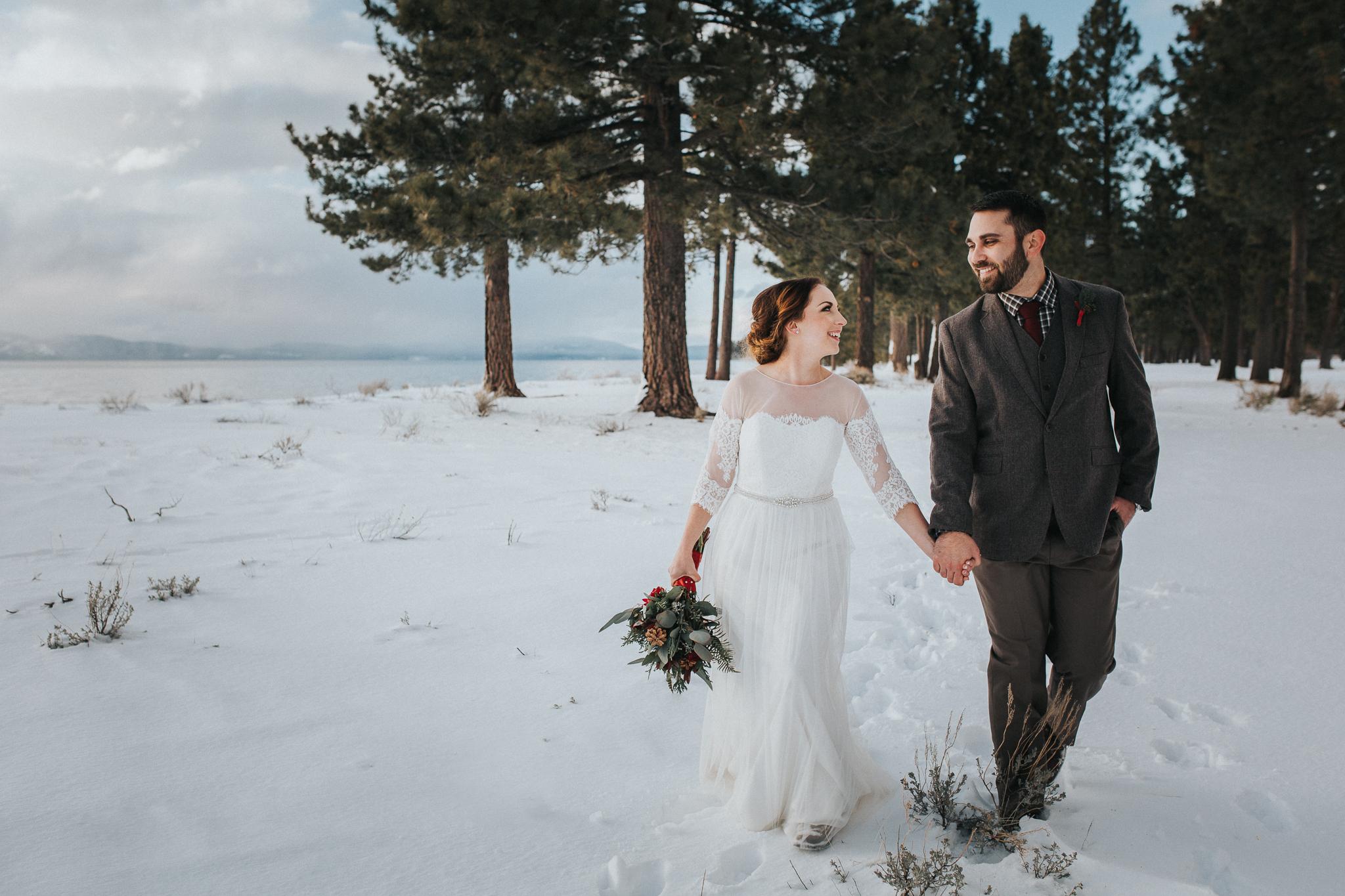 winter-wedding-reno-lake-tahoe-wedding-photographer-16.jpg
