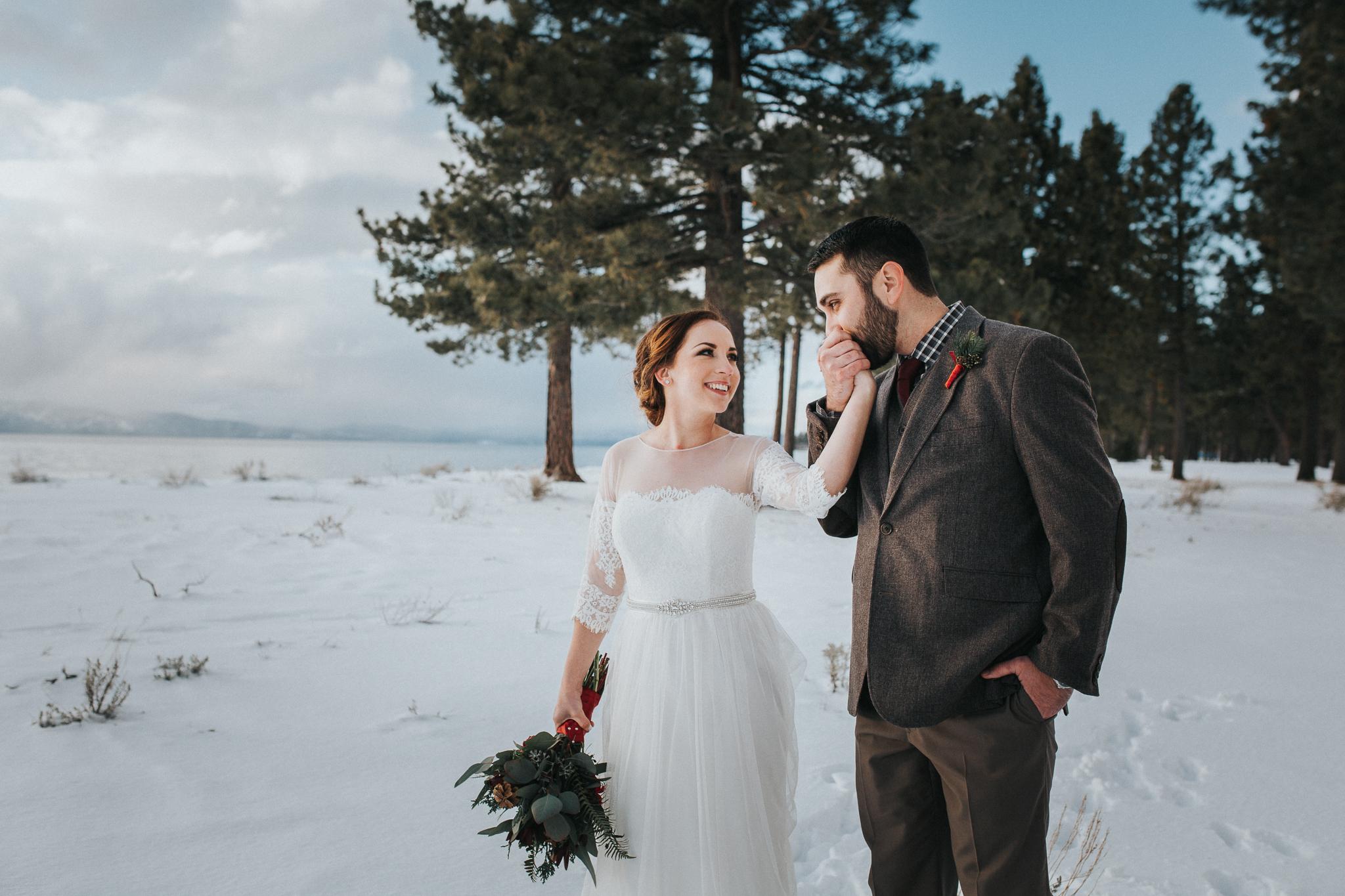 winter-wedding-reno-lake-tahoe-wedding-photographer-17.jpg