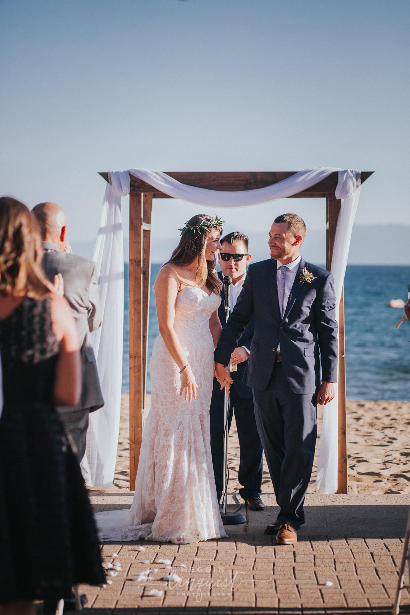 bohemian-style-lake-wedding-reno-lake-tahoe-wedding-photographer-23.jpg