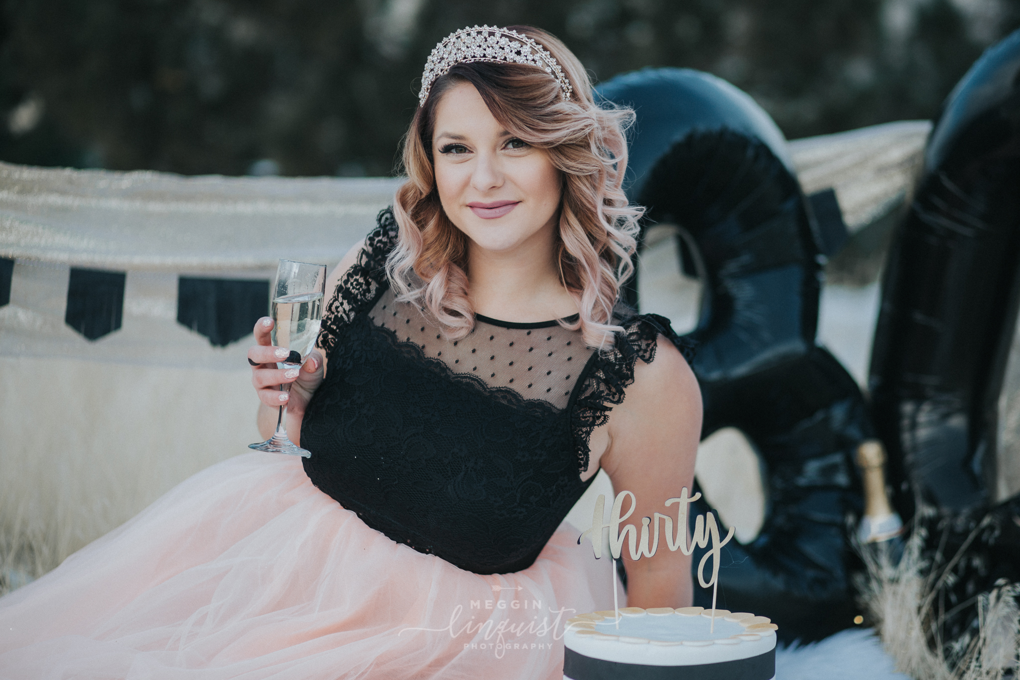30th-birthday-cake-smash-reno-lake-tahoe-photographer-13.jpg