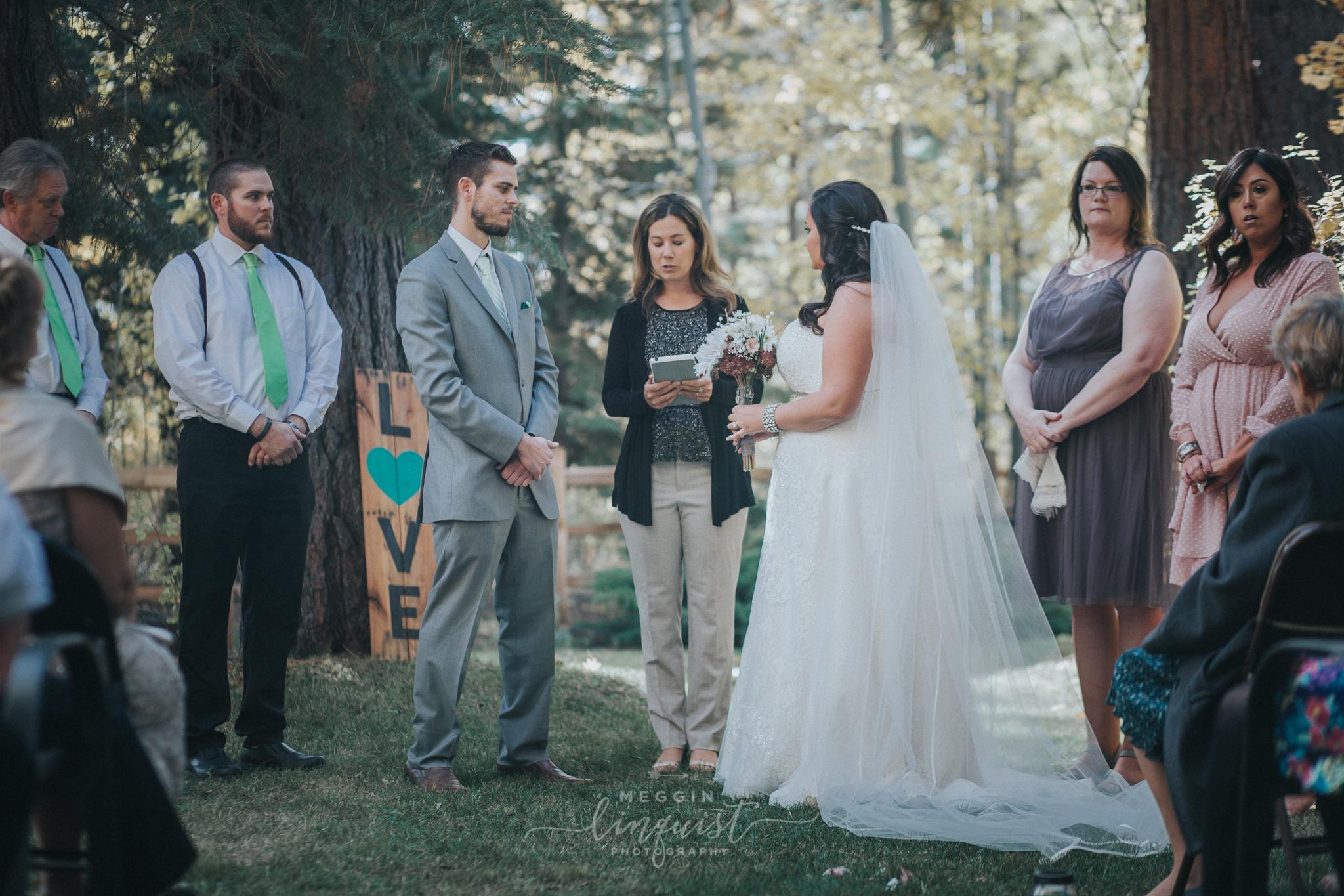 lake-tahoe-fall-wedding-reno-lake-tahoe-wedding-photographer-13.jpg
