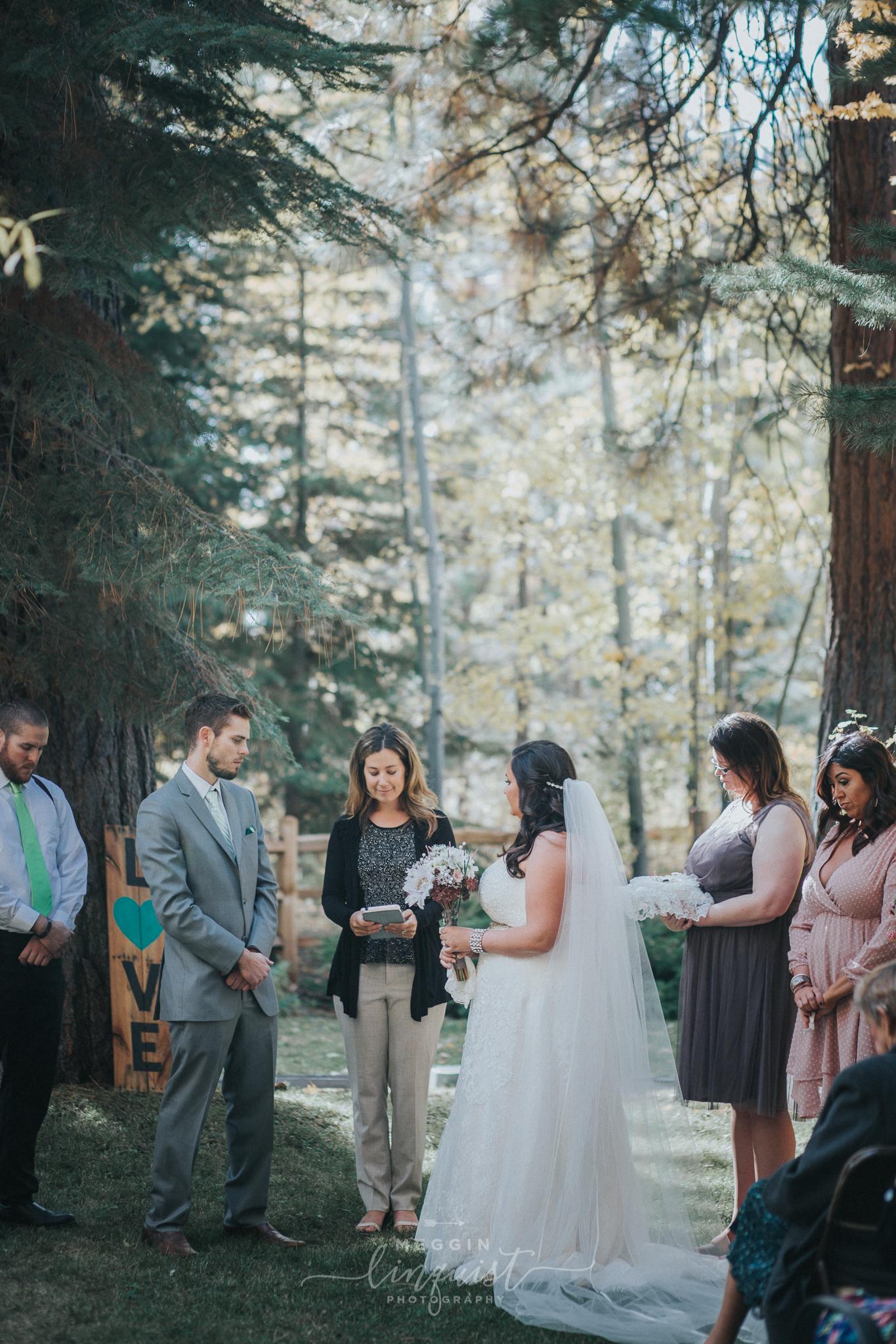 lake-tahoe-fall-wedding-reno-lake-tahoe-wedding-photographer-14.jpg