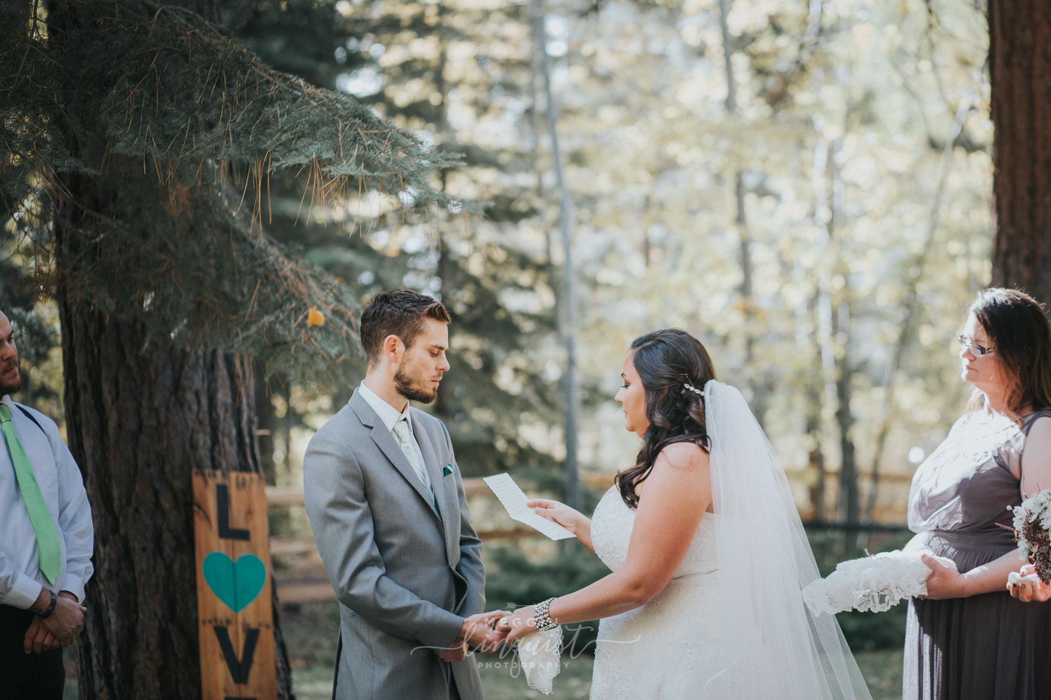 lake-tahoe-fall-wedding-reno-lake-tahoe-wedding-photographer-16.jpg