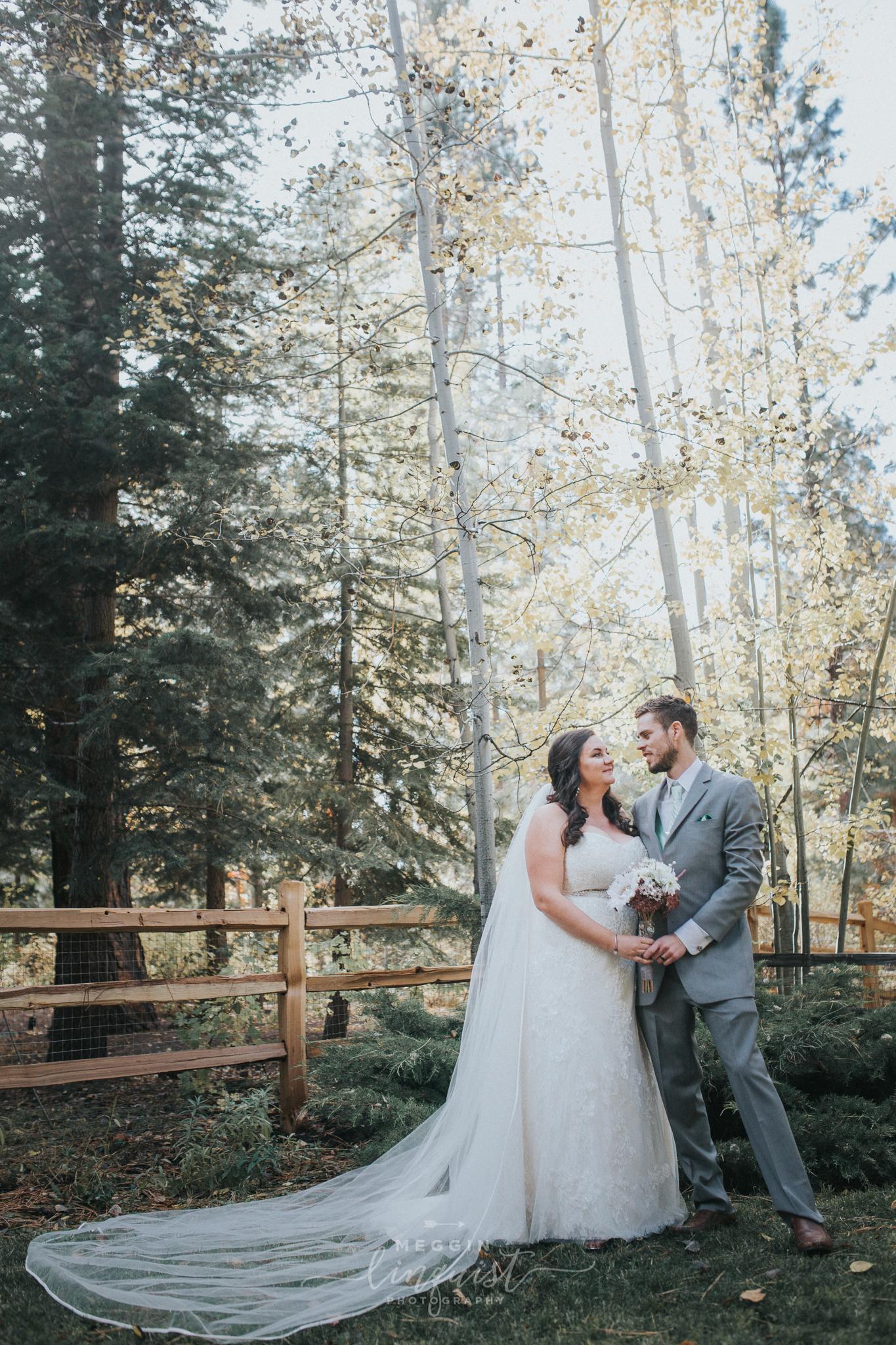 lake-tahoe-fall-wedding-reno-lake-tahoe-wedding-photographer-21.jpg