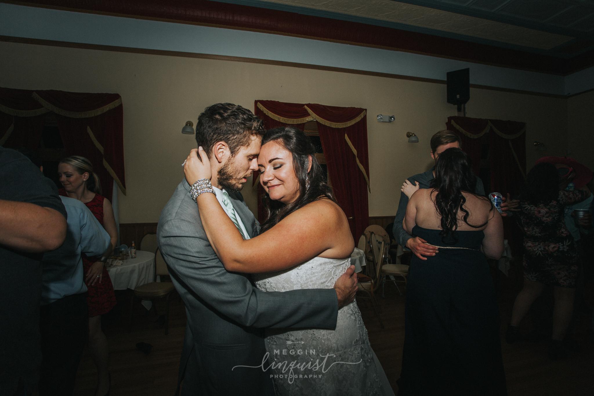 lake-tahoe-fall-wedding-reno-lake-tahoe-wedding-photographer-17-2.jpg