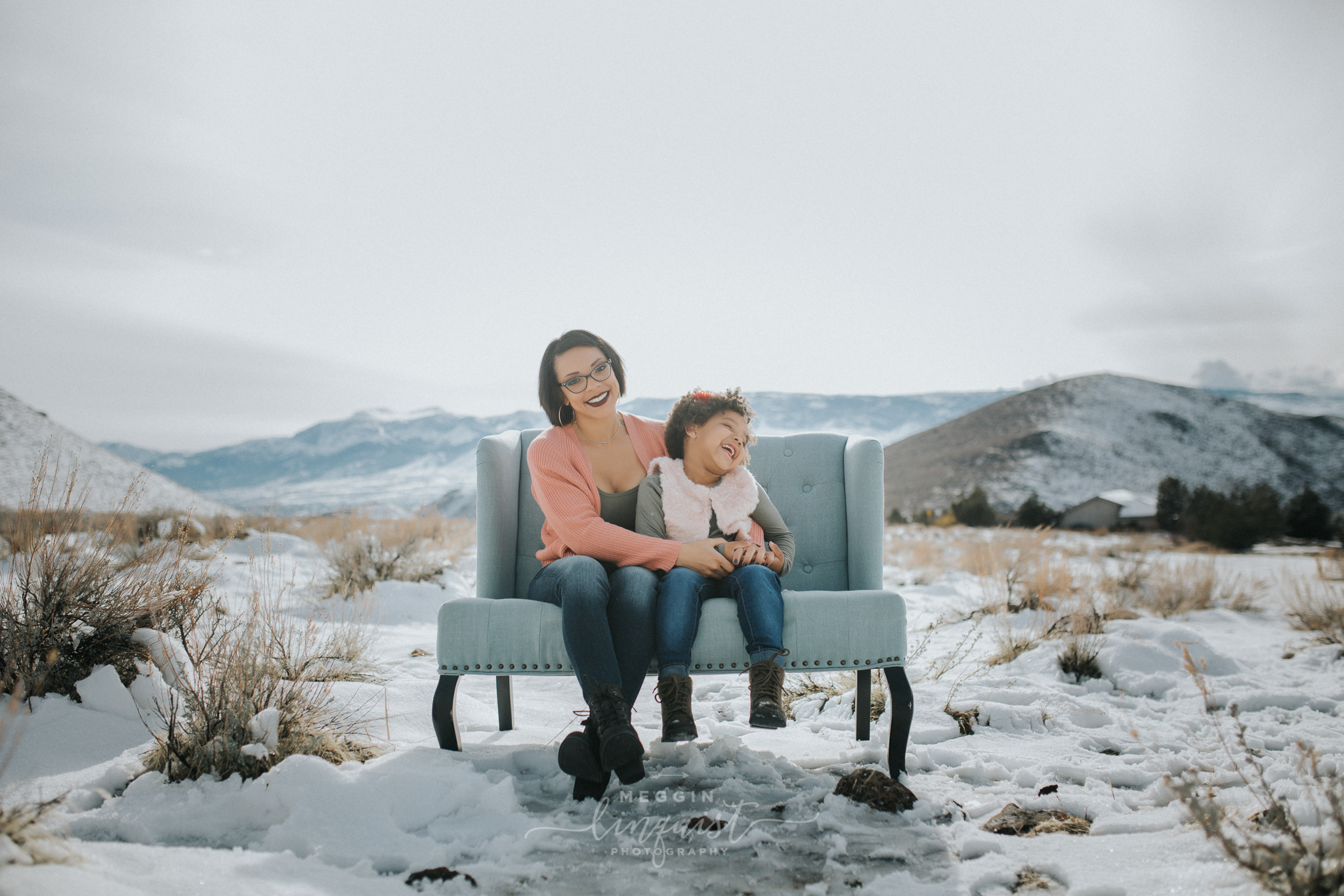 snowy-mommy-and-me-photos-reno-lake-tahoe-family-photographer-6.jpg