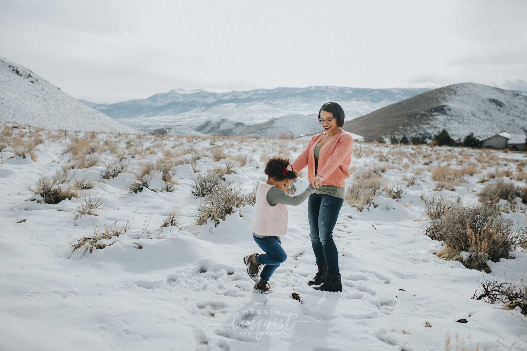 snowy-mommy-and-me-photos-reno-lake-tahoe-family-photographer-8.jpg
