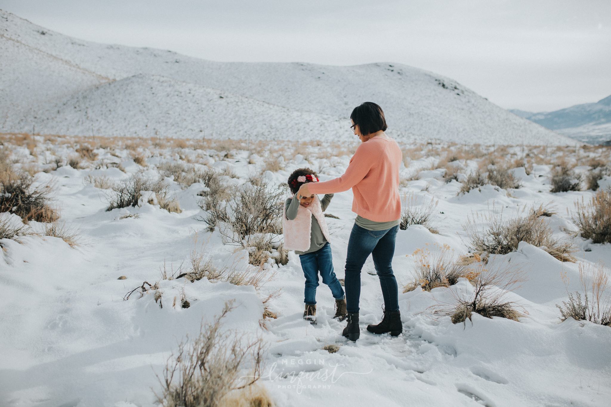 snowy-mommy-and-me-photos-reno-lake-tahoe-family-photographer-7.jpg