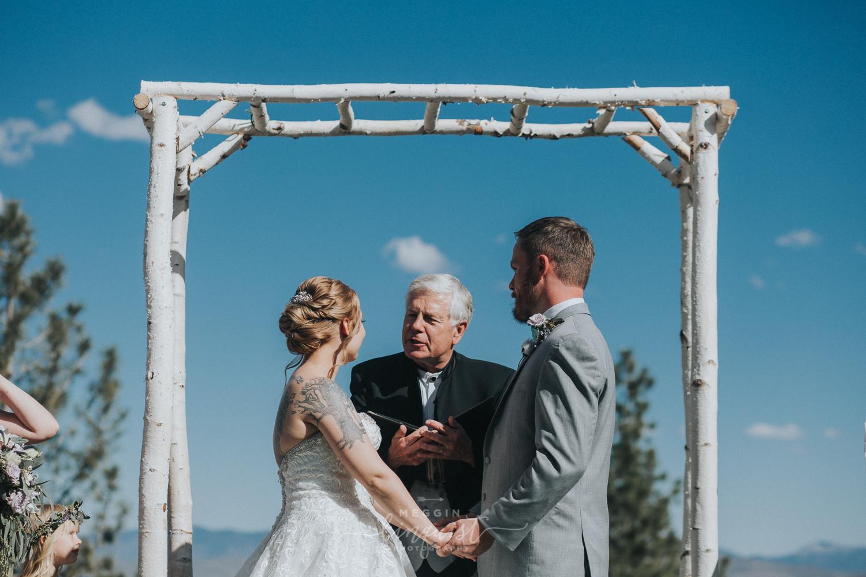 tannenbaum-spring-wedding-reno-lake-tahoe-wedding-photographer-24.jpg