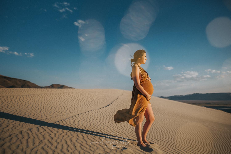 boho-maternity-photos-sand-dunes-reno-lake-tahoe-maternity-photographer-13.jpg