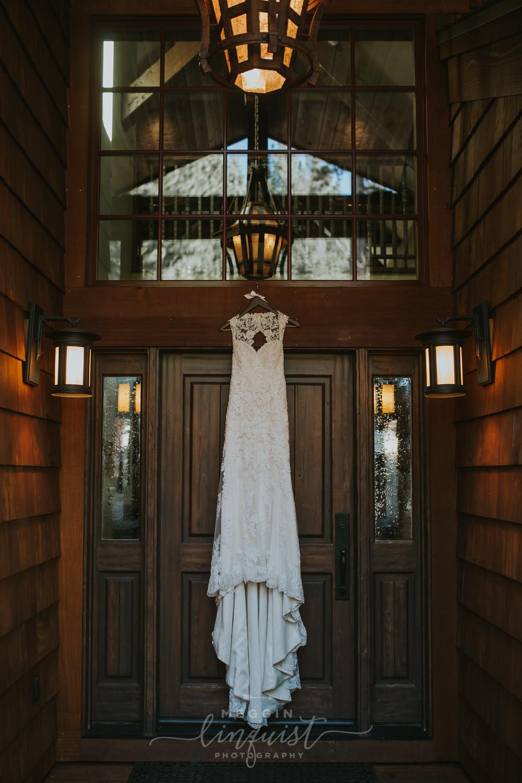 classic-fall-catholic-wedding-reno-lake-tahoe-wedding-photographer-2.jpg