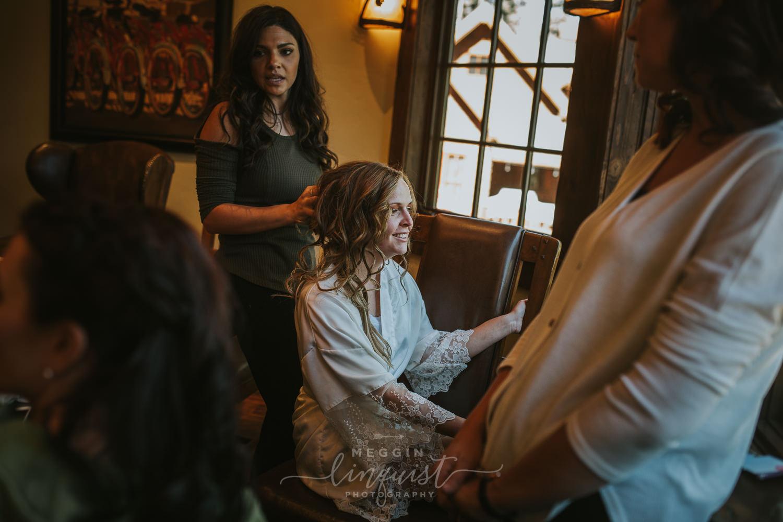 classic-fall-catholic-wedding-reno-lake-tahoe-wedding-photographer-12.jpg
