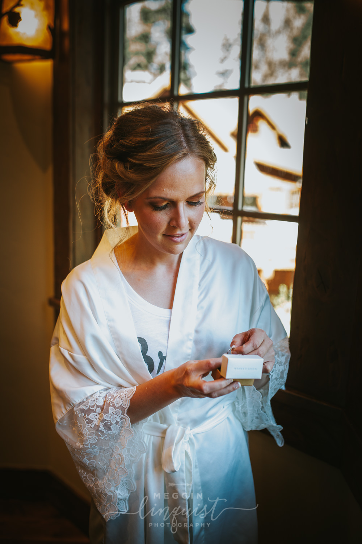 classic-fall-catholic-wedding-reno-lake-tahoe-wedding-photographer-14.jpg