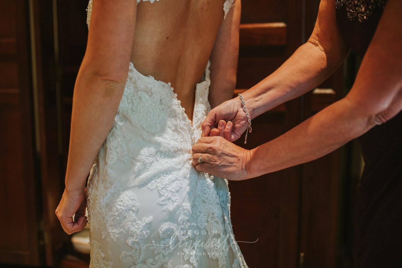 classic-fall-catholic-wedding-reno-lake-tahoe-wedding-photographer-16.jpg
