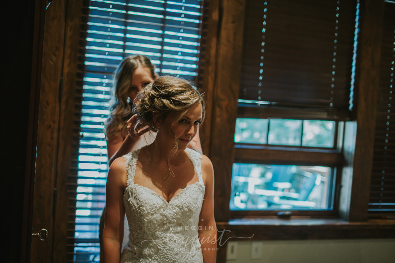 classic-fall-catholic-wedding-reno-lake-tahoe-wedding-photographer-19.jpg