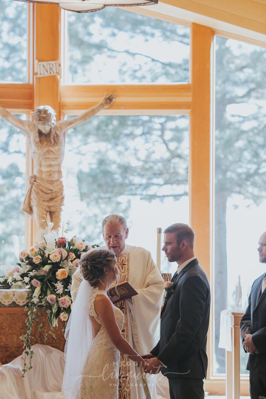classic-fall-catholic-wedding-reno-lake-tahoe-wedding-photographer-28.jpg