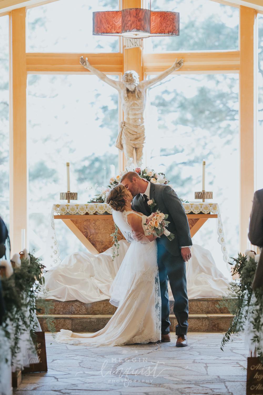 classic-fall-catholic-wedding-reno-lake-tahoe-wedding-photographer-30.jpg