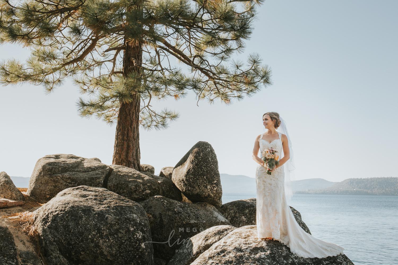 classic-fall-catholic-wedding-reno-lake-tahoe-wedding-photographer-34.jpg