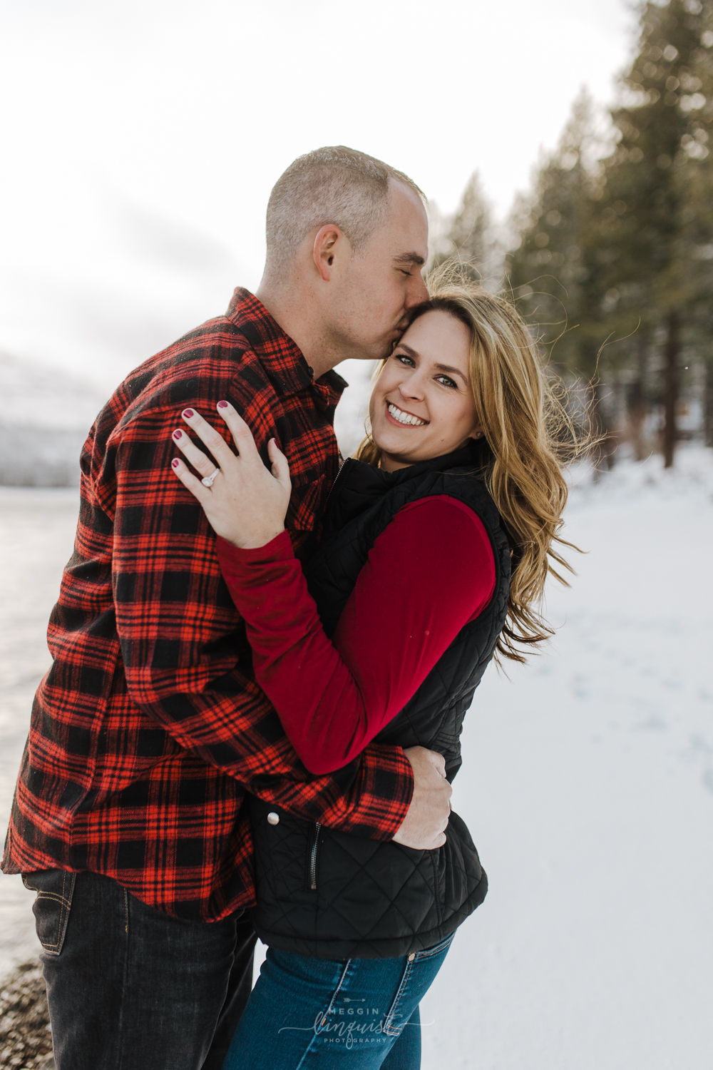 donner-lake-winter-engagement-session-reno-lake-tahoe-engagement-photograoher-7.jpg