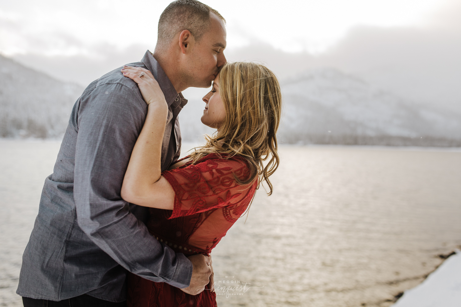 donner-lake-winter-engagement-session-reno-lake-tahoe-engagement-photograoher-8.jpg