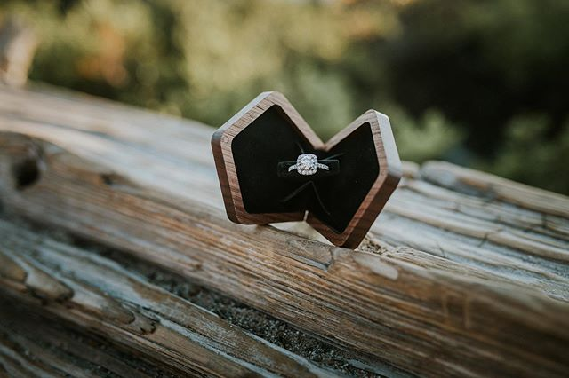 """""""A kiss on the hand may be quite continental, but diamonds are a girl's best friend."""" - Marilyn Monroe • • Ring Box: @woodsbury.creative • • • #engagementring #engaged #diamondring #haloengagementring #engagementphotographer #weddingphotographer #renoweddingphotographer #northernnevadaphotographer #northerncaliforniaphotographer #laketahoeweddingphotographer #nevadaphotographer #ido #shesaidyes #laketahoeengagement #engaged #futuremrs #bling"""