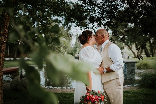 """""""Love is old, love is new, love is all, love is you."""" - The Beatles • I still have some 2020 dates available! Let me capture your adventure! • • Venue: @theelmestate Makeup: @edincarpentermakeup Floral: @afloral_kjs DJ: @mcclainsmobilemusic Catering: @roundaboutreno • • #renoweddingphotographer #weddingphotographer #northernnevadaphotographer #northerncaliforniaphotographer #nevadaweddingphotographer #ido #love #husbandandwife #misstomrs #weddingday #beautiful #bride #groom #mrandmrs #foral #renonv #californiaweddingphotographer #laketahoeweddingphotographer"""