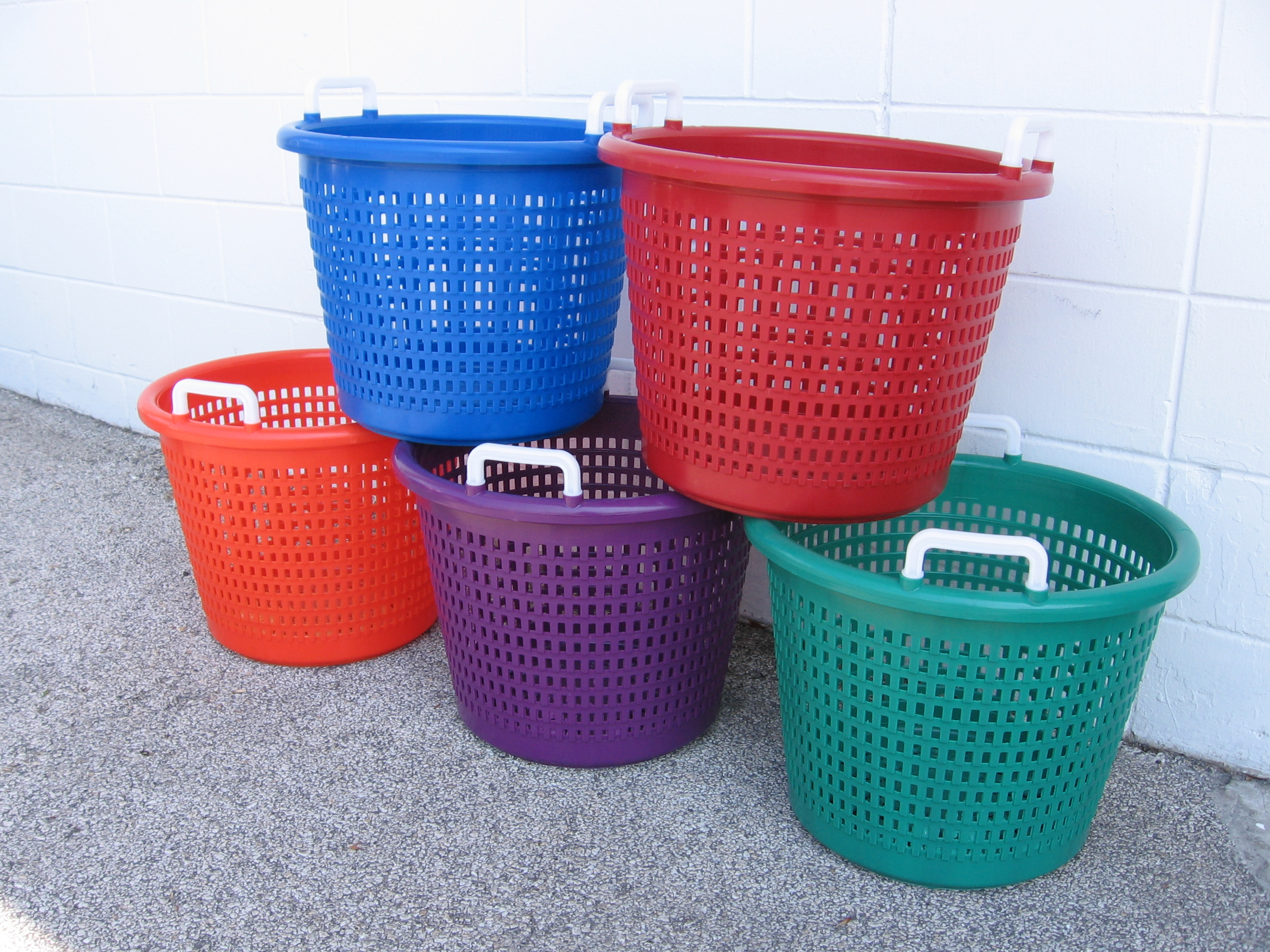 fish baskets, Seafood container, fish bin, tote, commercial fishing, marine, lug, pail, bucket, bin, stackable, nesting, nest, hand held, handheld, factory direct, manufacturer rep, representative, collect, shrimp, all sizes, competitive prices, hot stamp, dock, custom, large order, truckload, full truck, shipping, ship 'n shore, boxes, durable, tray, Ropak, drop ship