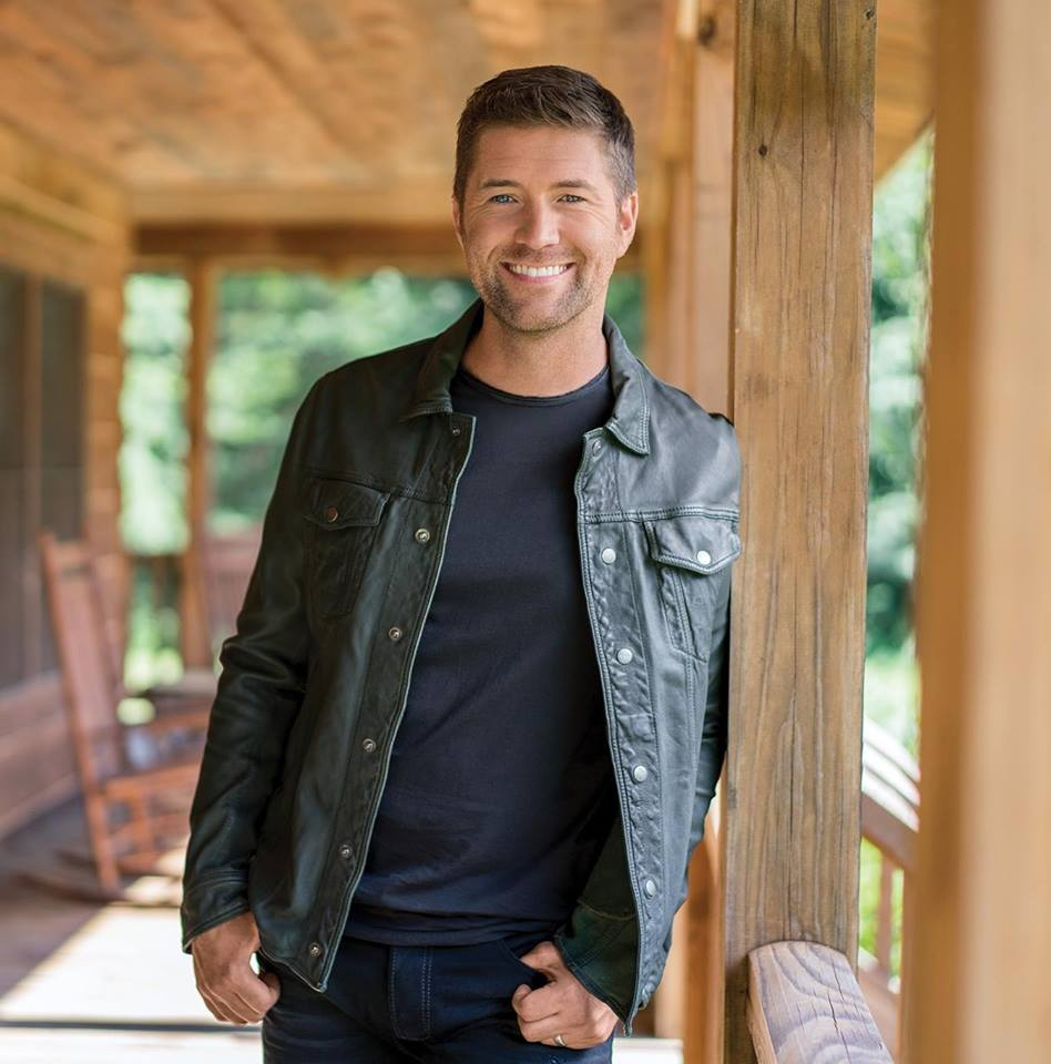 Turner/Photo by Josh Turner Music Facebook
