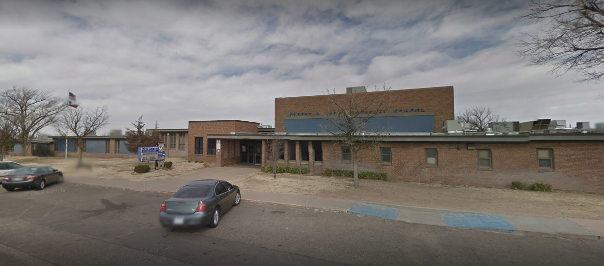 """Lee Elementary School, displaying """"Robert E."""" in 2018  Photo by Google"""