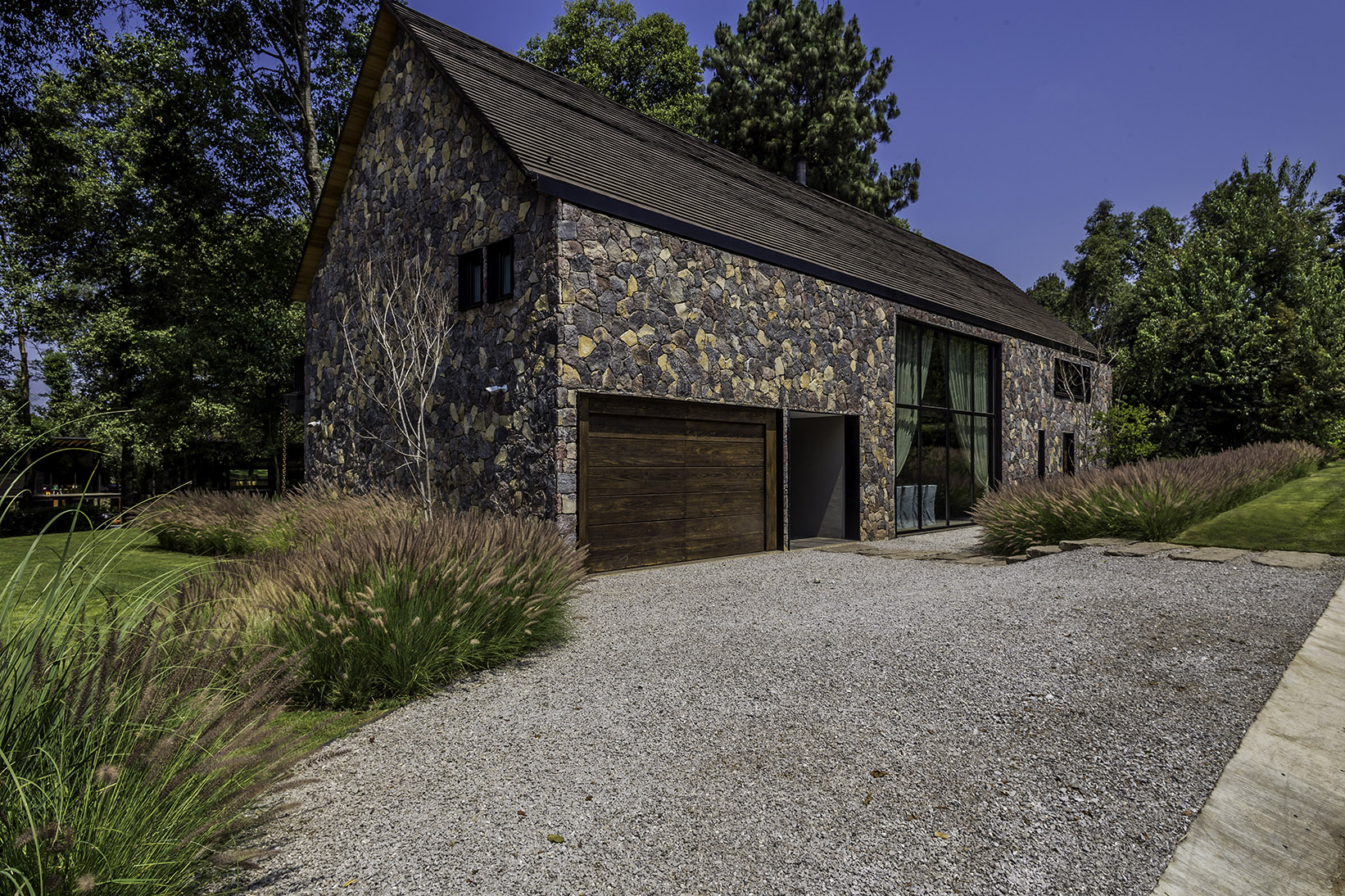 Barnhouse1jpg1.jpg