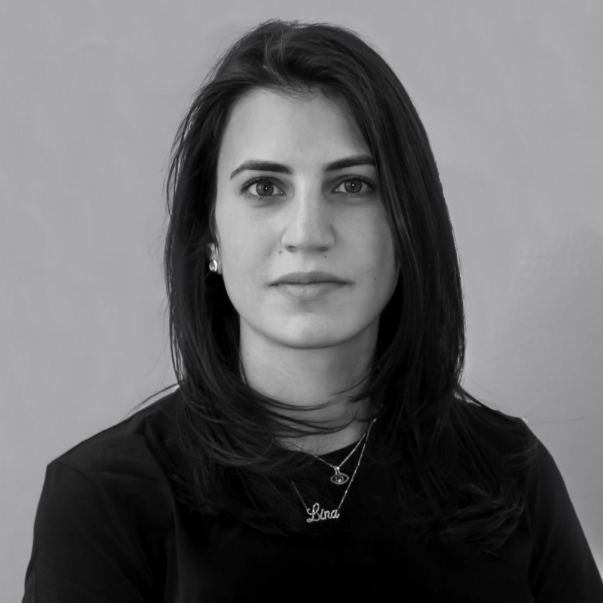 lina siman - Realizó sus estudios en Arquitectura y Diseño en la Universidad Iberoamericana de la Ciudad de México, desarrollando un gusto personal por el interiorismo.En 2013 se incorporó al equipo de RCH, volviéndose pieza clave del despacho, lo que la llevo a convertirse en socia en el año 2016, formando CHAIN + SIMAN arquitectura e interiores.
