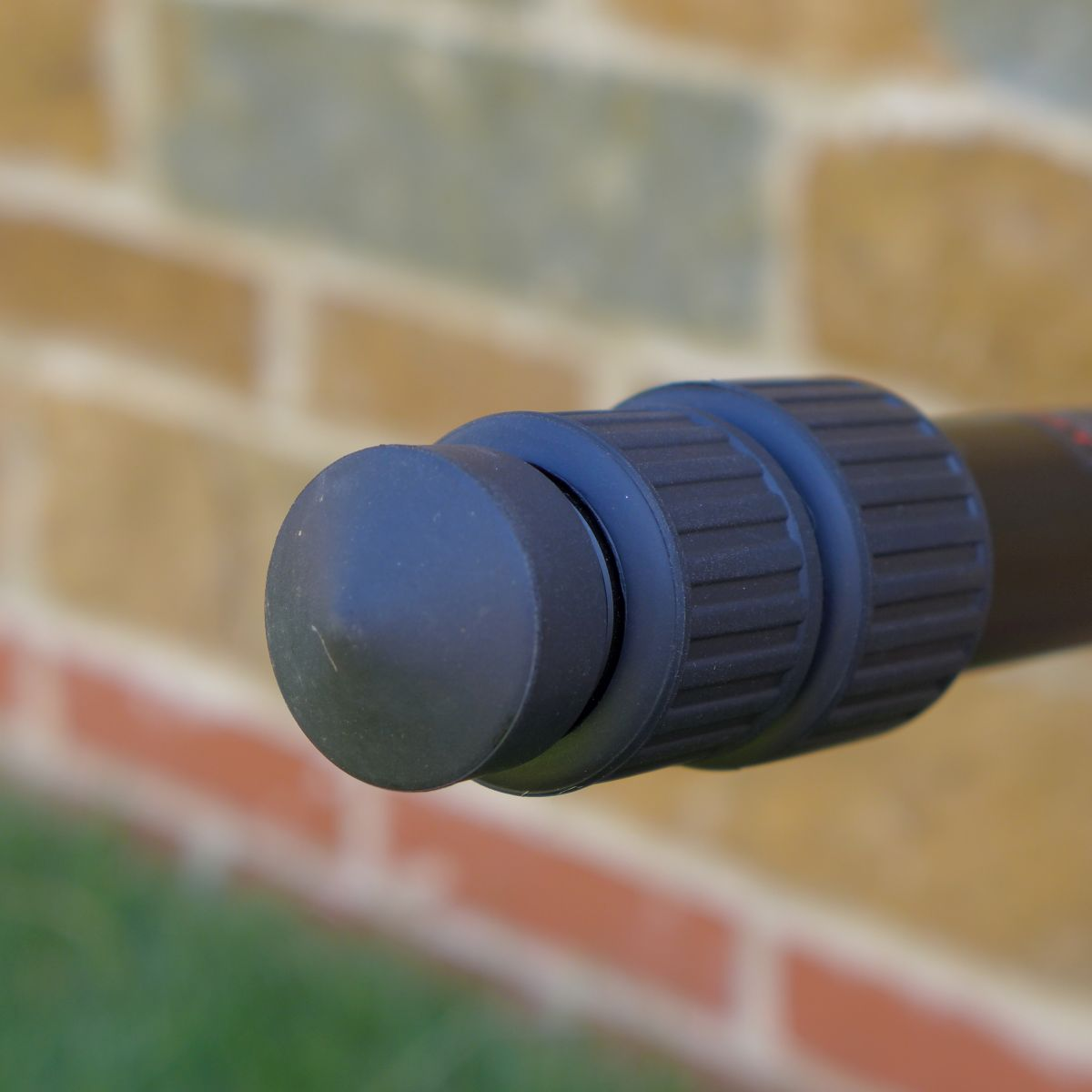 Rubber feet can be unscrewed and replaced with the included stainless steel spikes