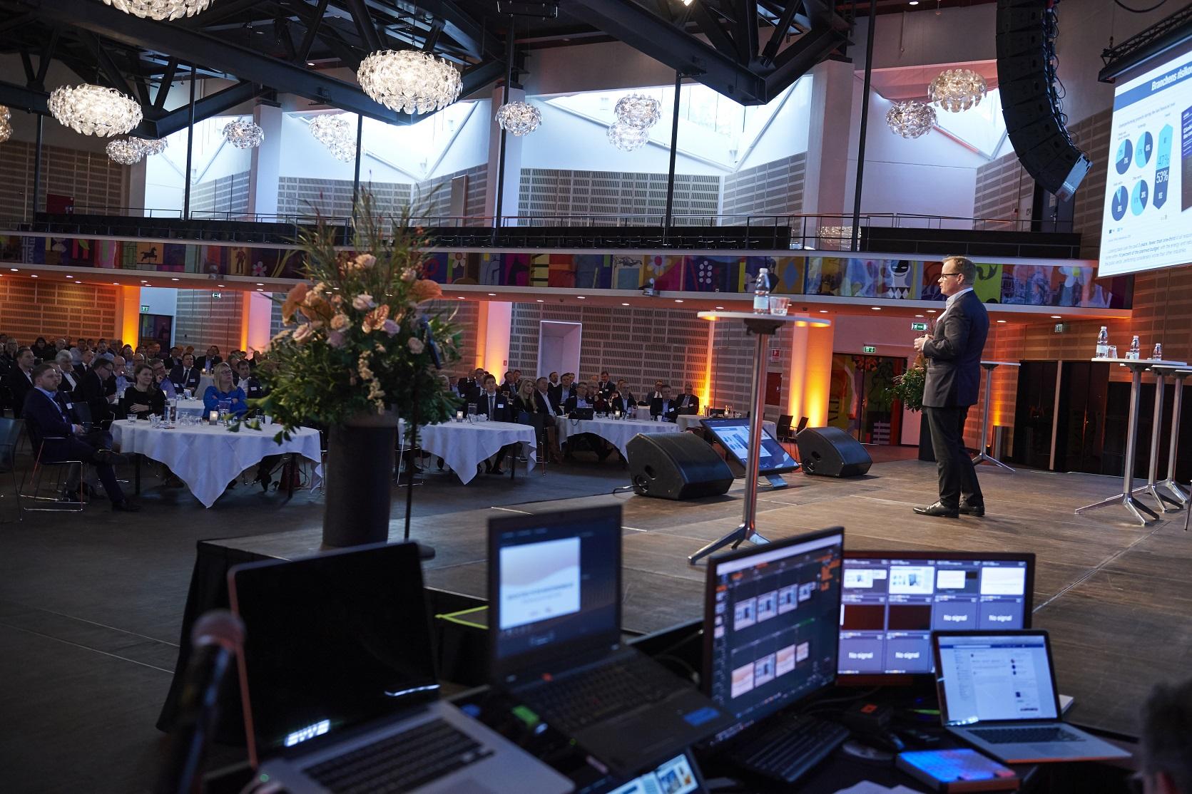 Nielsfalk_lille2.jpg
