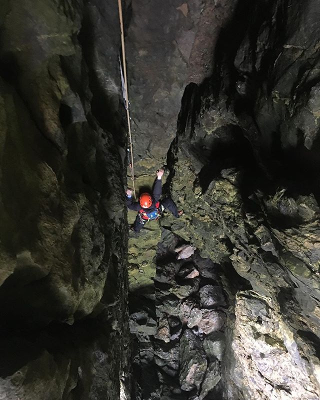 Managed to keep out of the worst of the weather with some trad multipitch climbing skills within the belly of MCK with Laura. #tradisrad #pembrokeshire #sea #cliff #climbing #outdoors #learning #skills #instructor #guide #mothercareyskitchen @ami_professionals @visitpembrokeshire @visitwales
